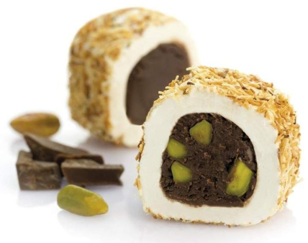 Turkish Delight Brownie mit Engelshaar und Pistazien